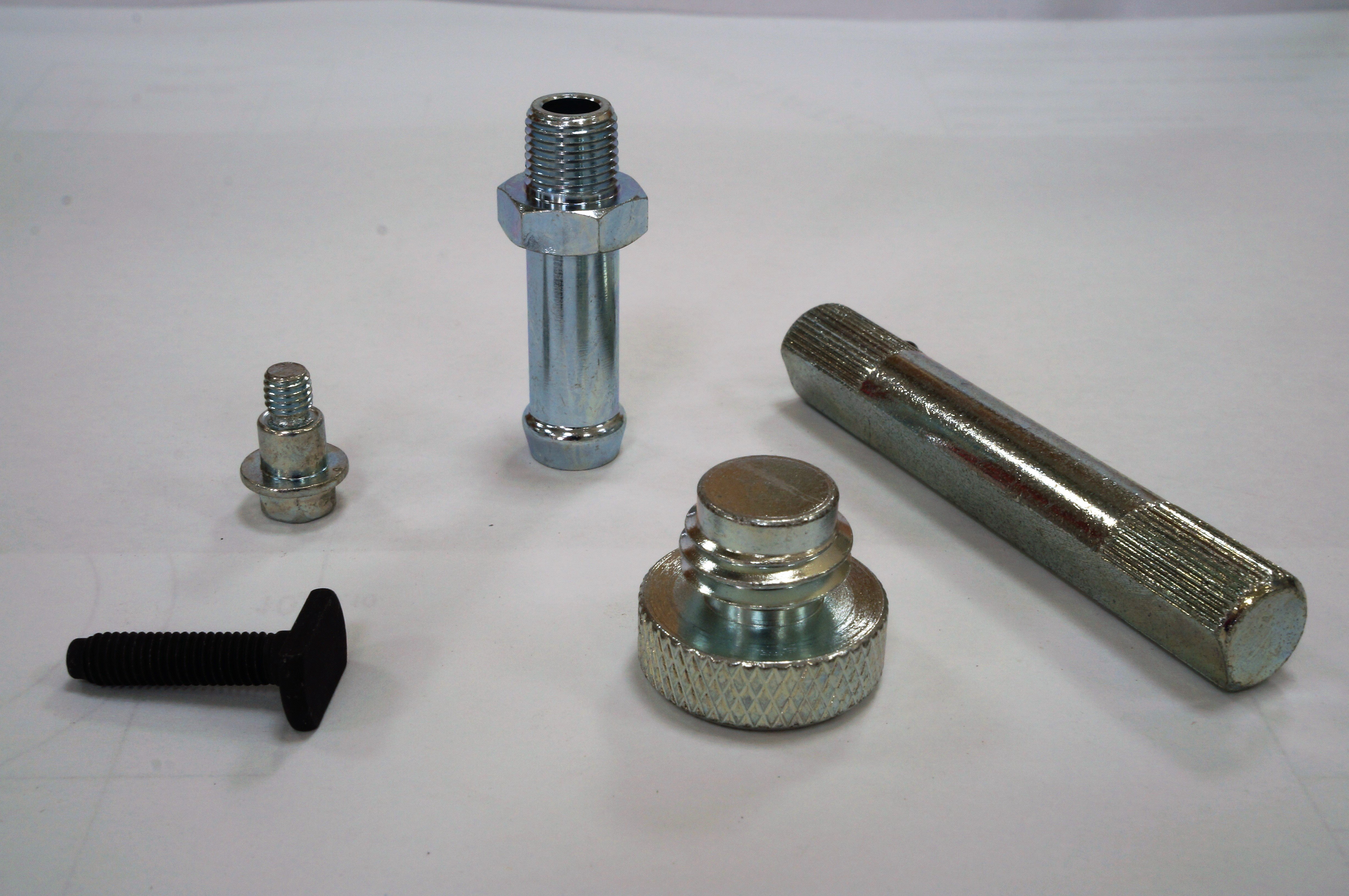 Agricultural / Tractor Bolts for Vehicle Fastener made by Sunny Screw Industry 三能螺栓工業股份有限公司 - MatchSupplier.com