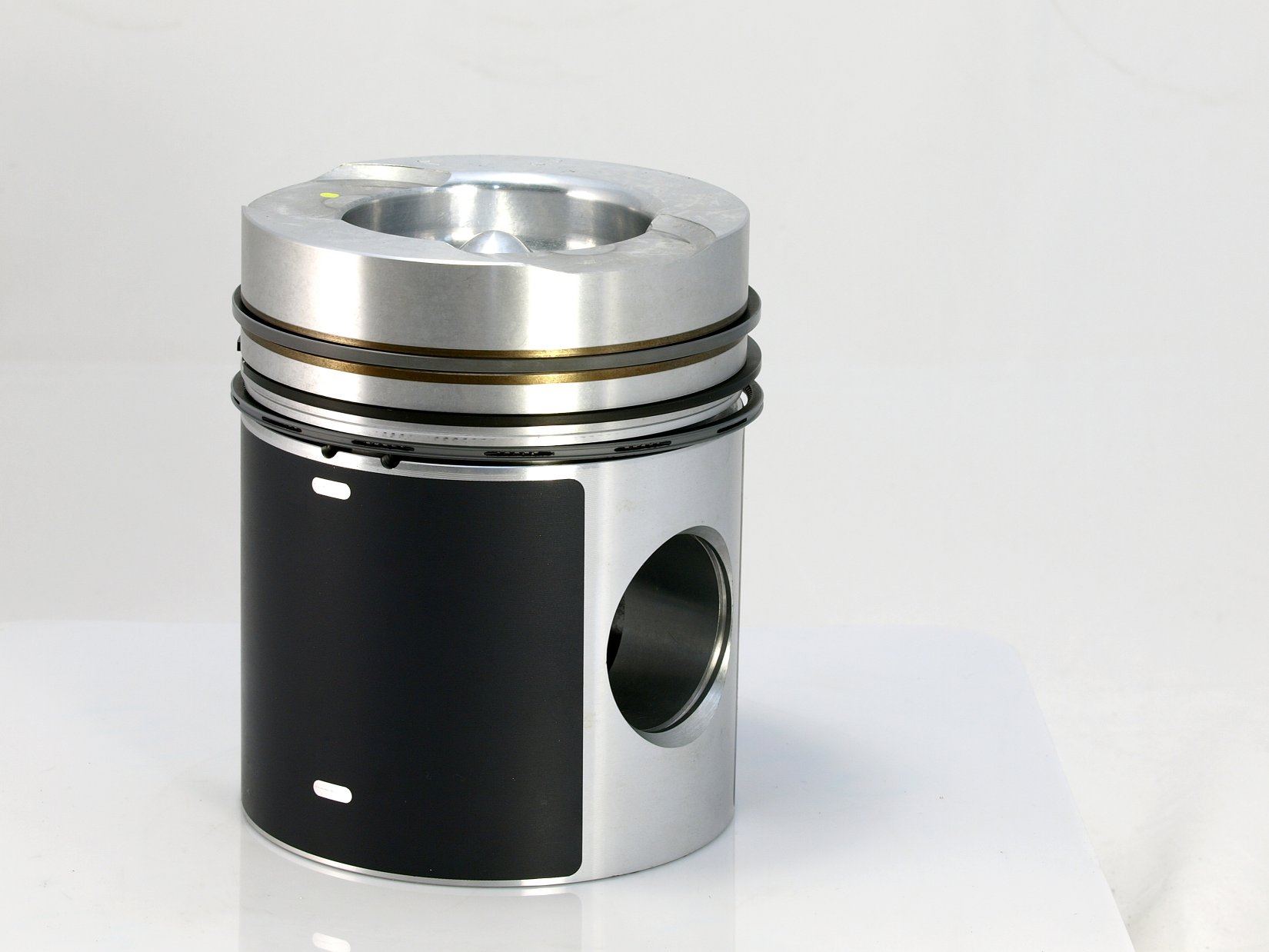 Bus Pistons for Diesel Engine Parts made by ZENITH TROOP IND. CO., LTD. 善統工業股份有限公司 - MatchSupplier.com