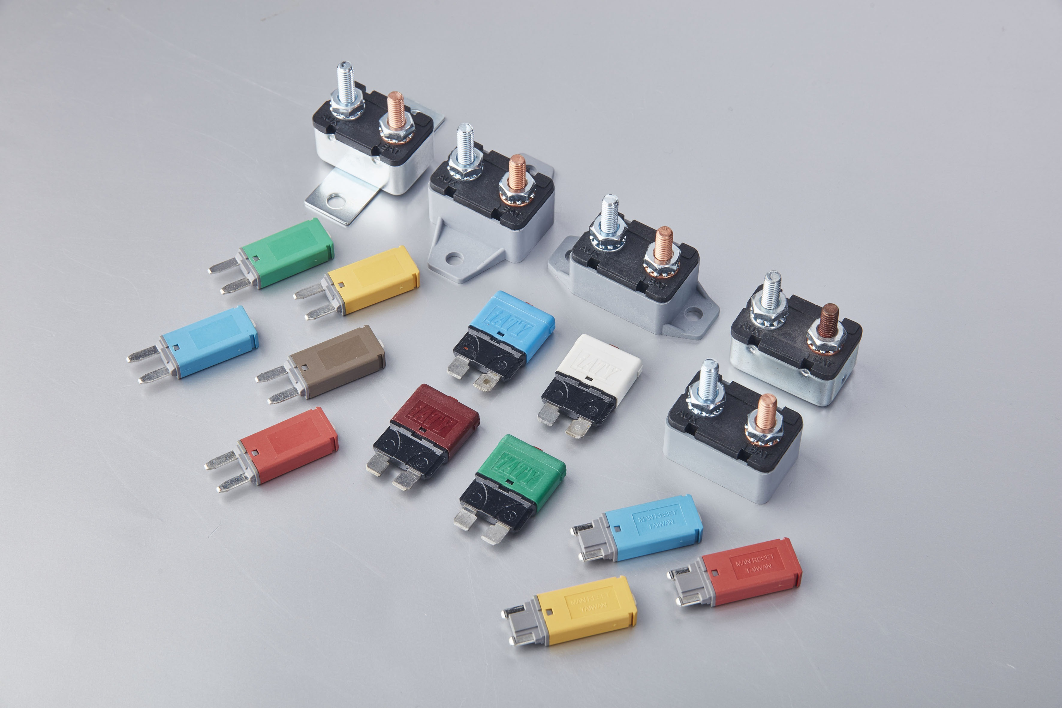 Automobile Circuit Breaker for Electrical Parts made by CHE YEN INDUSTRIAL CO., LTD. 啟運興業股份有限公司 - MatchSupplier.com