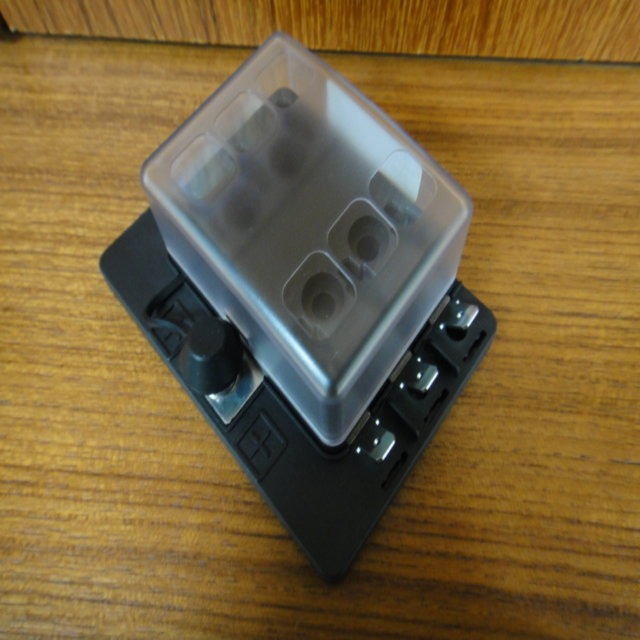 Agricultural / Tractor Fuse Block for Electrical Parts made by CHE YEN INDUSTRIAL CO., LTD. 啟運興業股份有限公司 - MatchSupplier.com