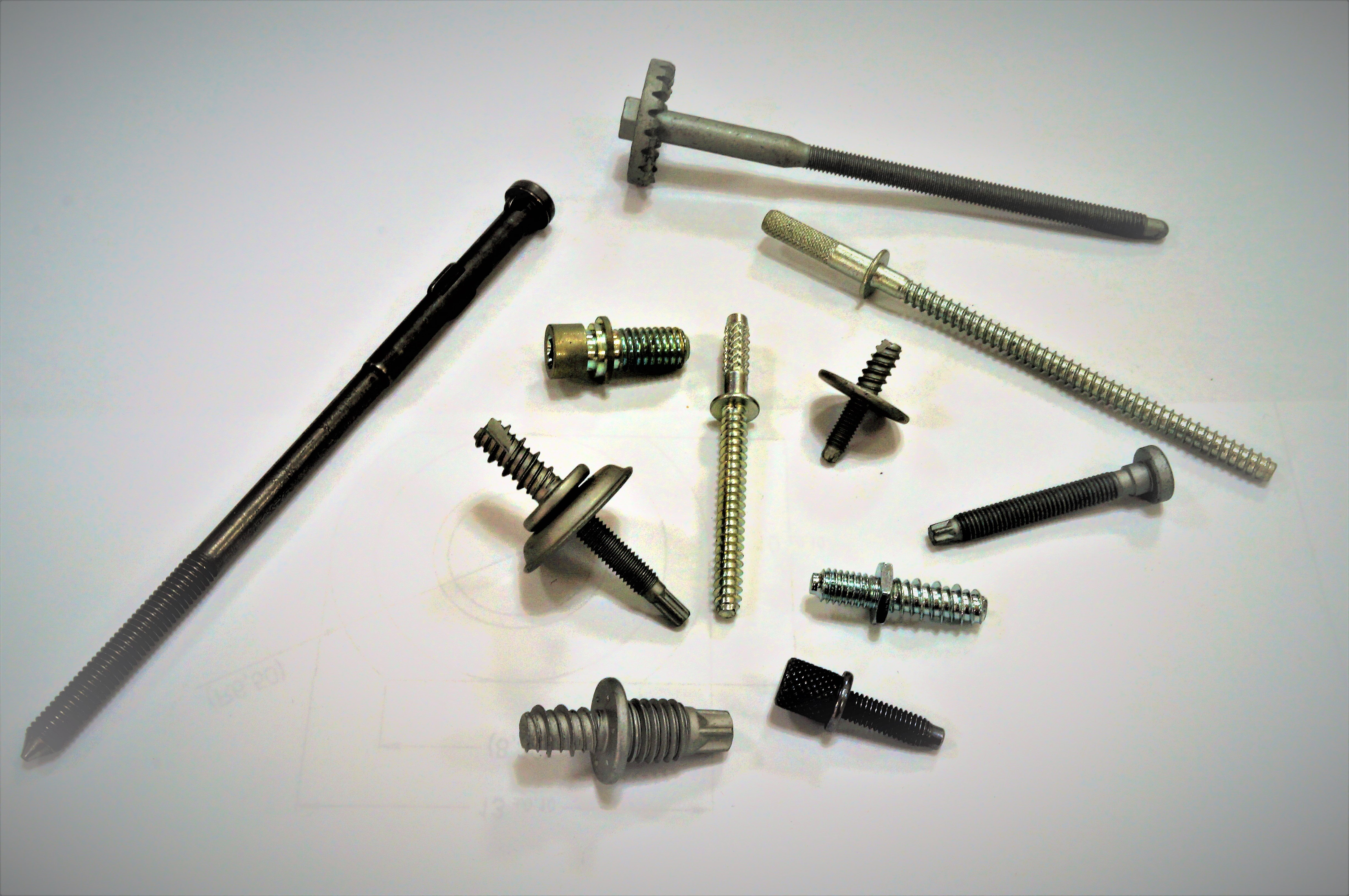 Agricultural / Tractor Double End Screw for Vehicle Fastener made by Sunny Screw Industry 三能螺栓工業股份有限公司 - MatchSupplier.com