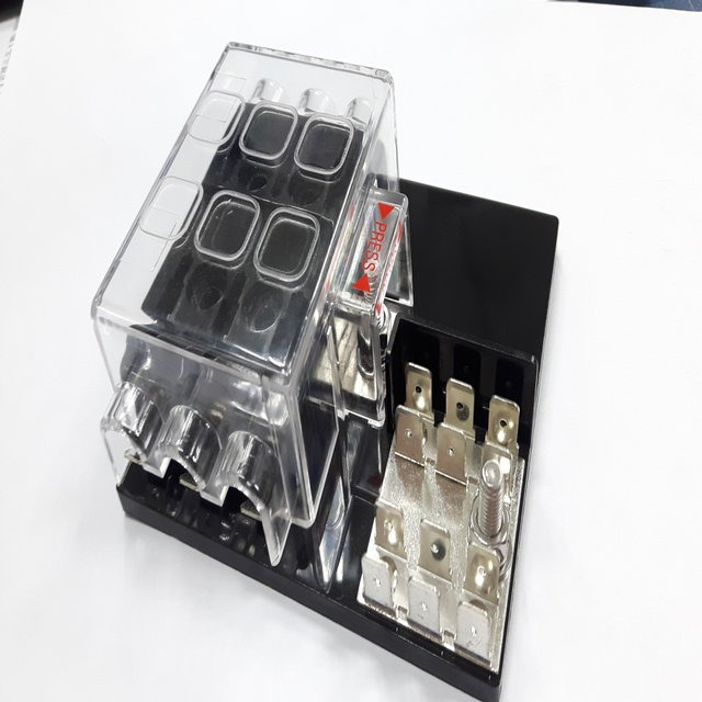 Automobile Fuse Boxes / Junction Boxes for Electrical Parts made by CHE YEN INDUSTRIAL CO., LTD. 啟運興業股份有限公司 - MatchSupplier.com
